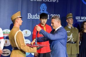 Szumós díjátadás a birkózó világbajnokságon